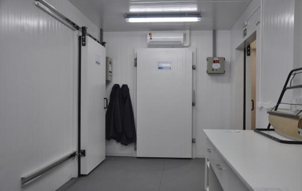 Câmara de Resfriado com Máquina Reserva, Câmara de Resfriados e Sala Climatizada (Paineis Termoisolantes)
